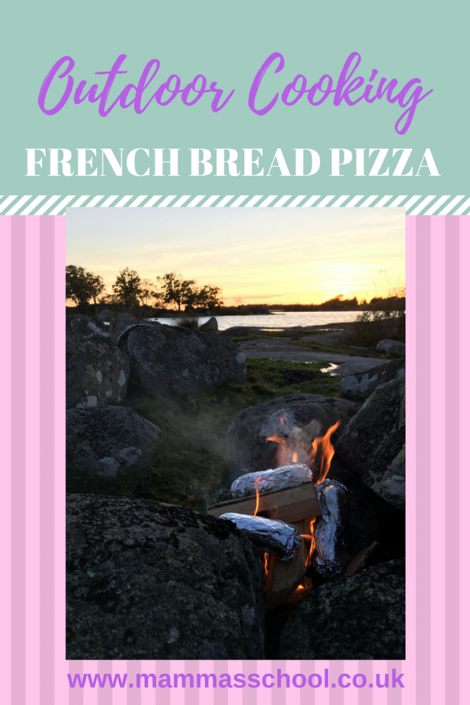 outdoor cooking, french bread pizza, campfire food, bushcraft food, www.mammasschool.co.uk