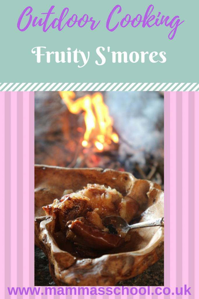 Fruity S'mores, outdoor cooking, campfire food, hiking food, camping food, outdoors, s'mores, smores, www.mammasschool.co.uk