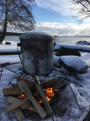 Bushcraft campfire sweden winter