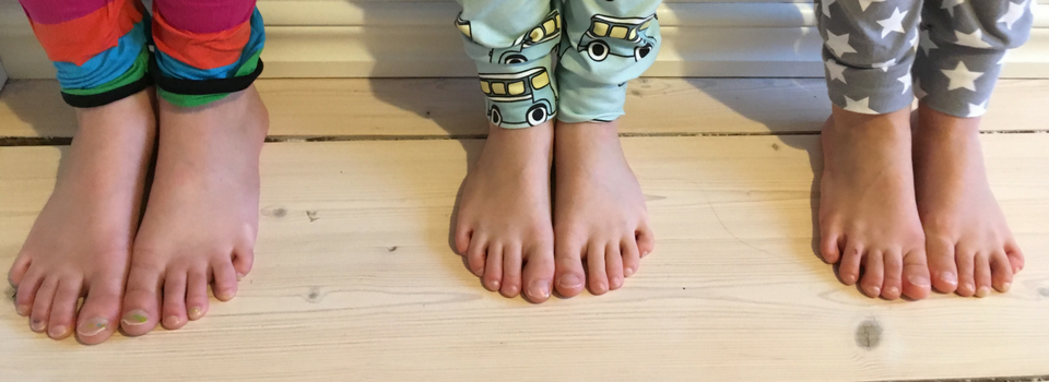 652705e0a785 Bare Feet - 7 Reasons to Let Your Children Have Them! – Mamma s School